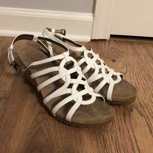 Life Stride white high-heeled sandals